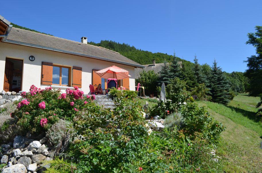 Natuurhuisje in Aspres-les-corps 36217 - Frankrijk - Provence-alpes - 8 personen