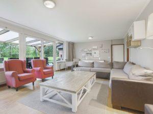Landal Aelderholt Bungalow 10EL1 - Nederland - Drenthe - 10 personen - lichte woonkamer